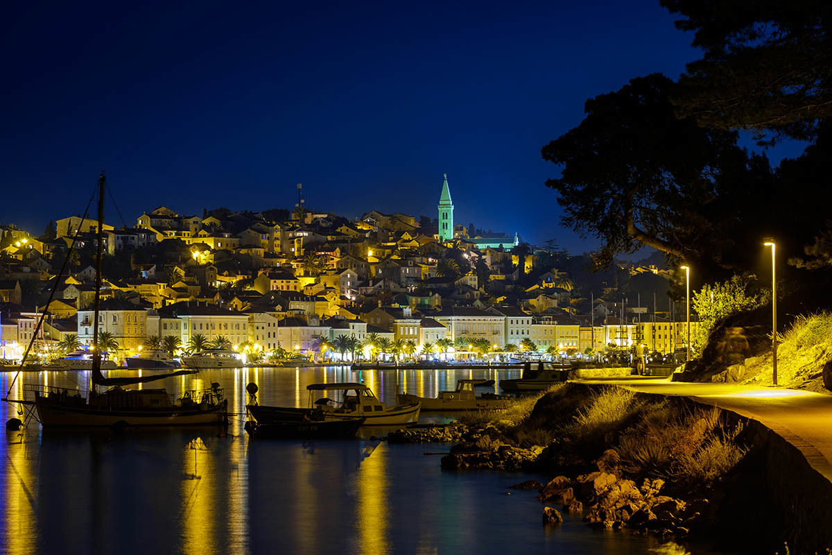 Mali losinj night view